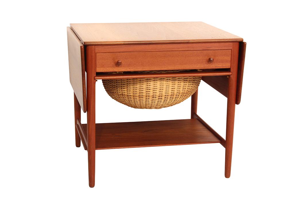 hans j wegner sewing table moderna m belklassiker. Black Bedroom Furniture Sets. Home Design Ideas